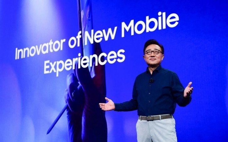 ซัมซุง ขาย Galaxy Fold ได้ถึง 400,000 เครื่องในปี 2019 เปิดตัว Galaxy Fold ครั้งแรก พร้อมตั้งราคาสูงถึง $2,000 ทำให้หลาย ๆ คนต่าง